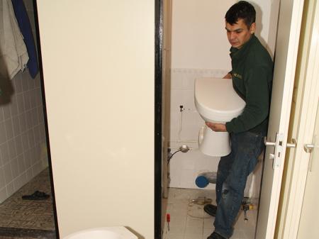 Elektrisch Toilet Verstopt : Toilet verstopt bel onze riooldienst p c honcoop zn